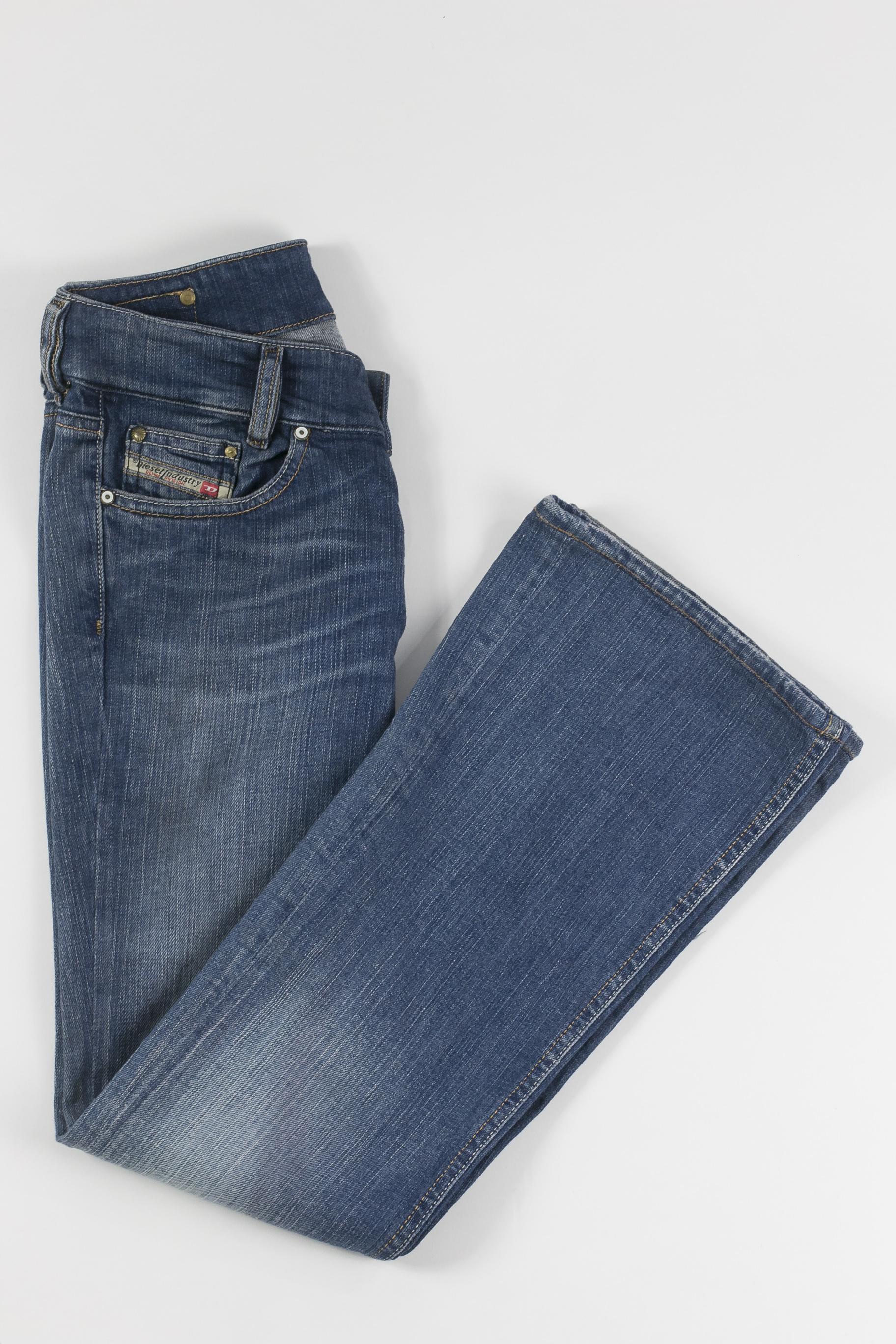 374e389bf DIESEL - Calça jeans flare - Brechó Agora é Meu!