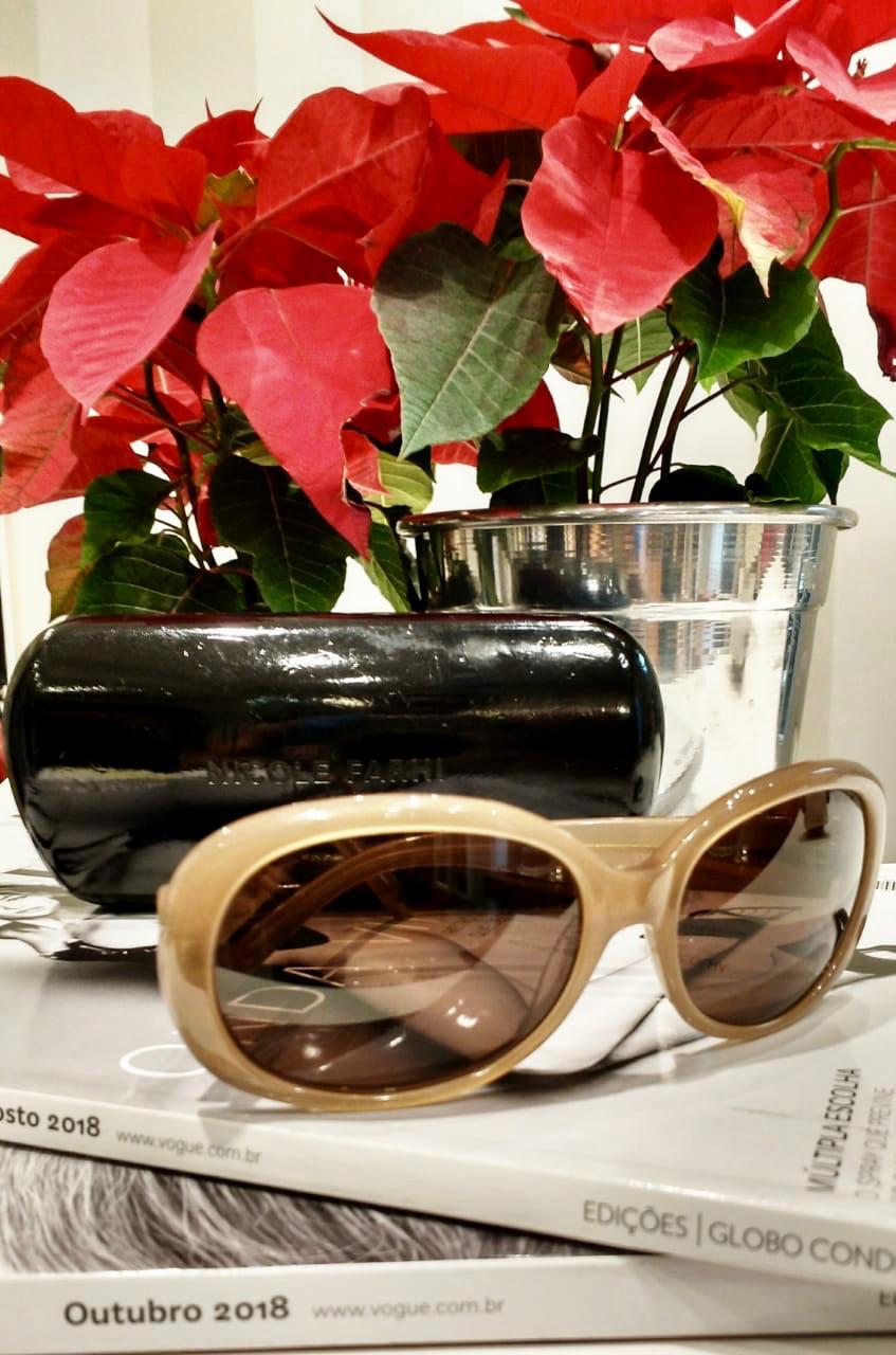 0289e3955 NICOLE FARHI - Óculos de sol - Brechó Agora é Meu!